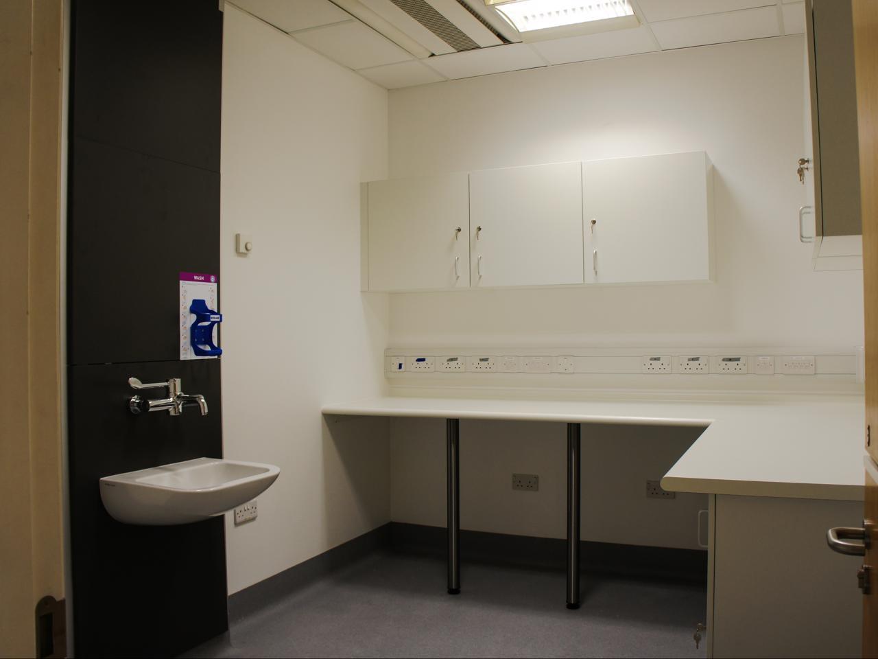 BHR University Hospital - Emergency Dept • Scott Tallon