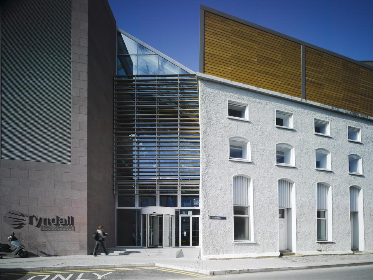 University College Cork Tyndall Institute • Scott Tallon